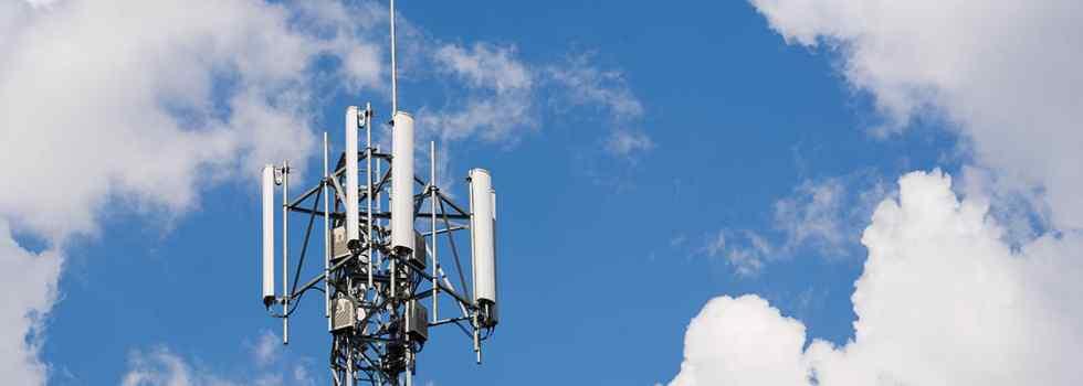 CLARO communication towers